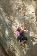 Emeline  dans Low Exposure 5.9  / Red River Gorge (Muir Valley - Practice Wall)